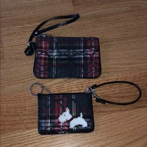 Small wristlet with its matching coin purse